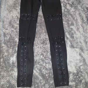 LACE UP LEGGINGS NEVER WORN SMALL